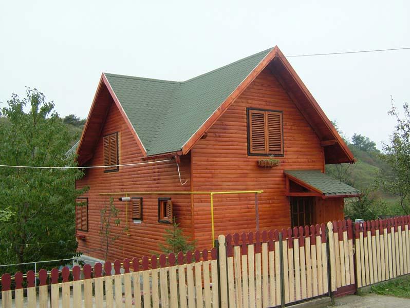 Casa din lemn Bacau