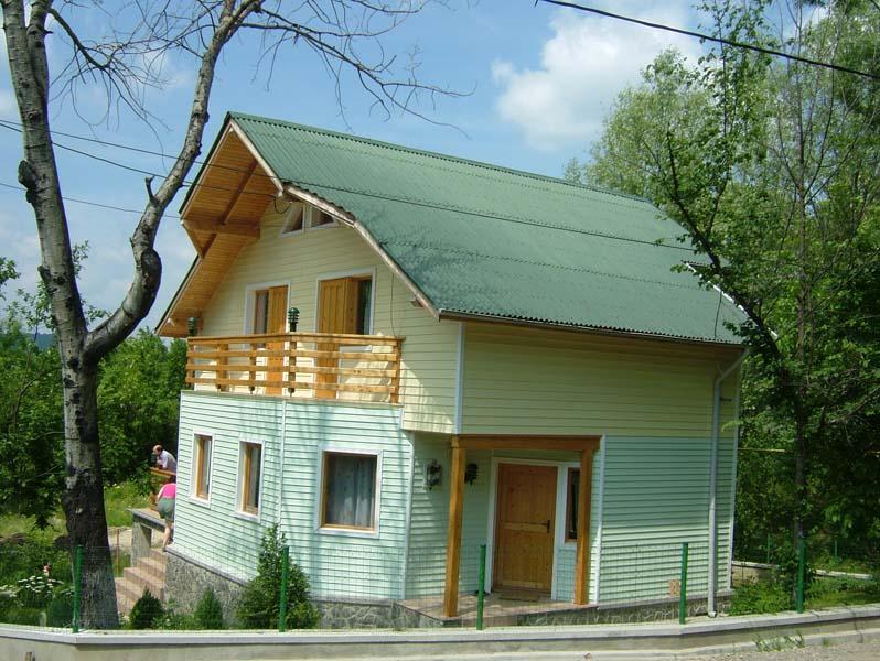 Casa din lemn Cornu V