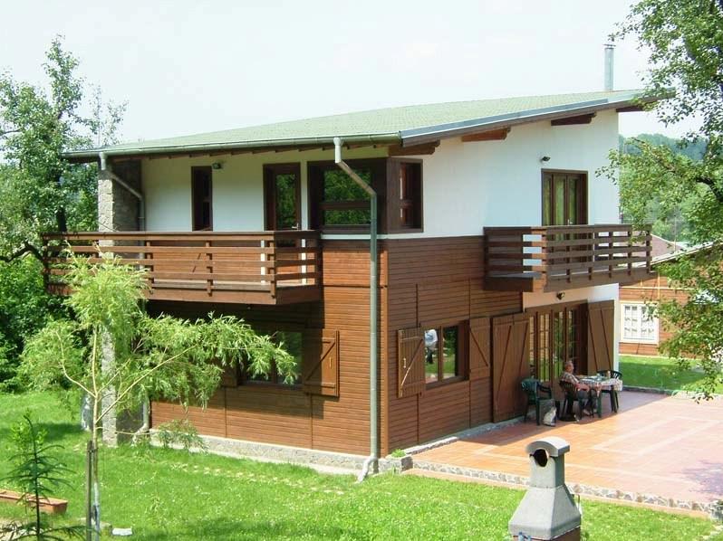 Casa din lemn Poiana-Campina