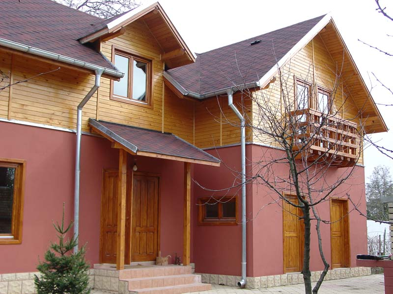 Casa din lemn Pucheni-Prahova
