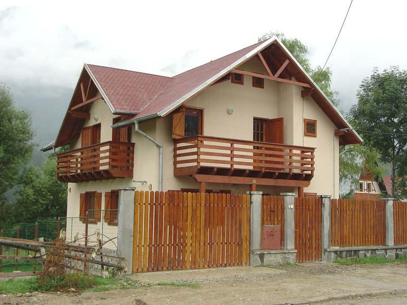 Casa din lemn Poiana Tapului I
