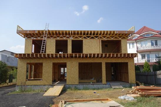 Casa din lemn cu terasa necirculabila, Bucuresti
